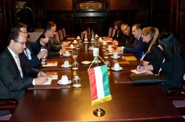 Дачић разговарао са министром иностраних послова Мађарске