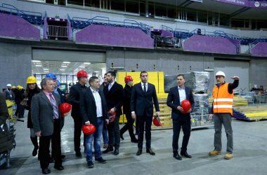 Никодијевић обишао радове на постављању атлетске стазе у Комбанк арени