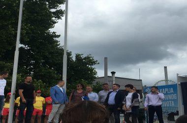 Nikodijević otvorio sezonu kupanja na Adi Ciganliji podizanjem plave zastave