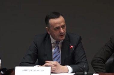Александар Антић на скупу у организацији Савета за образовање и Савета за међународну политику СПС о образовном систему