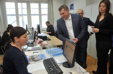 Никодијевић и Весић на представљању Регистра матичних књига у општини Савски венац