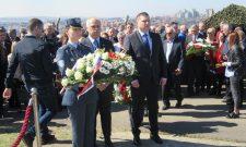 Никодијевић положиo венац на спомен-обележје на Стражевици