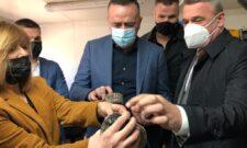 Александар Антић обишао лабораторију у Чачку