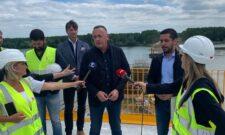 Антић и Момировић у Шапцу: Радови на мосту преко Саве испред уговорене динамике