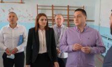 Ружић у Кучеву обишао Економско-трговинску и машинску школу